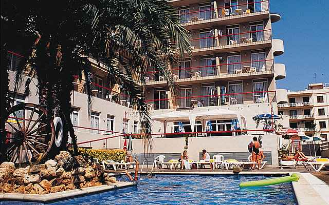 Mar Blau Apartments Calella Poolanlage